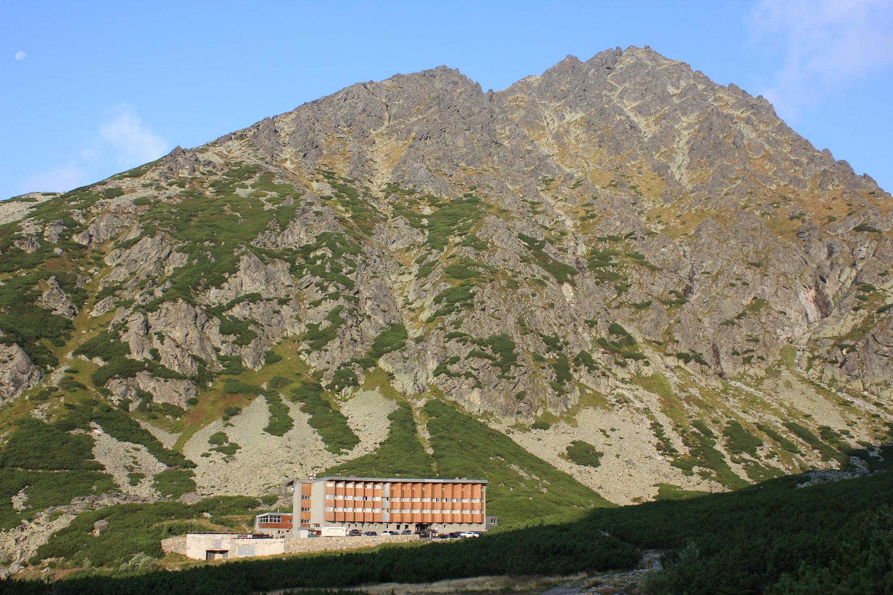 スロバキア最高峰ゲルラホウスキ直下に位置する山岳リゾートホテル