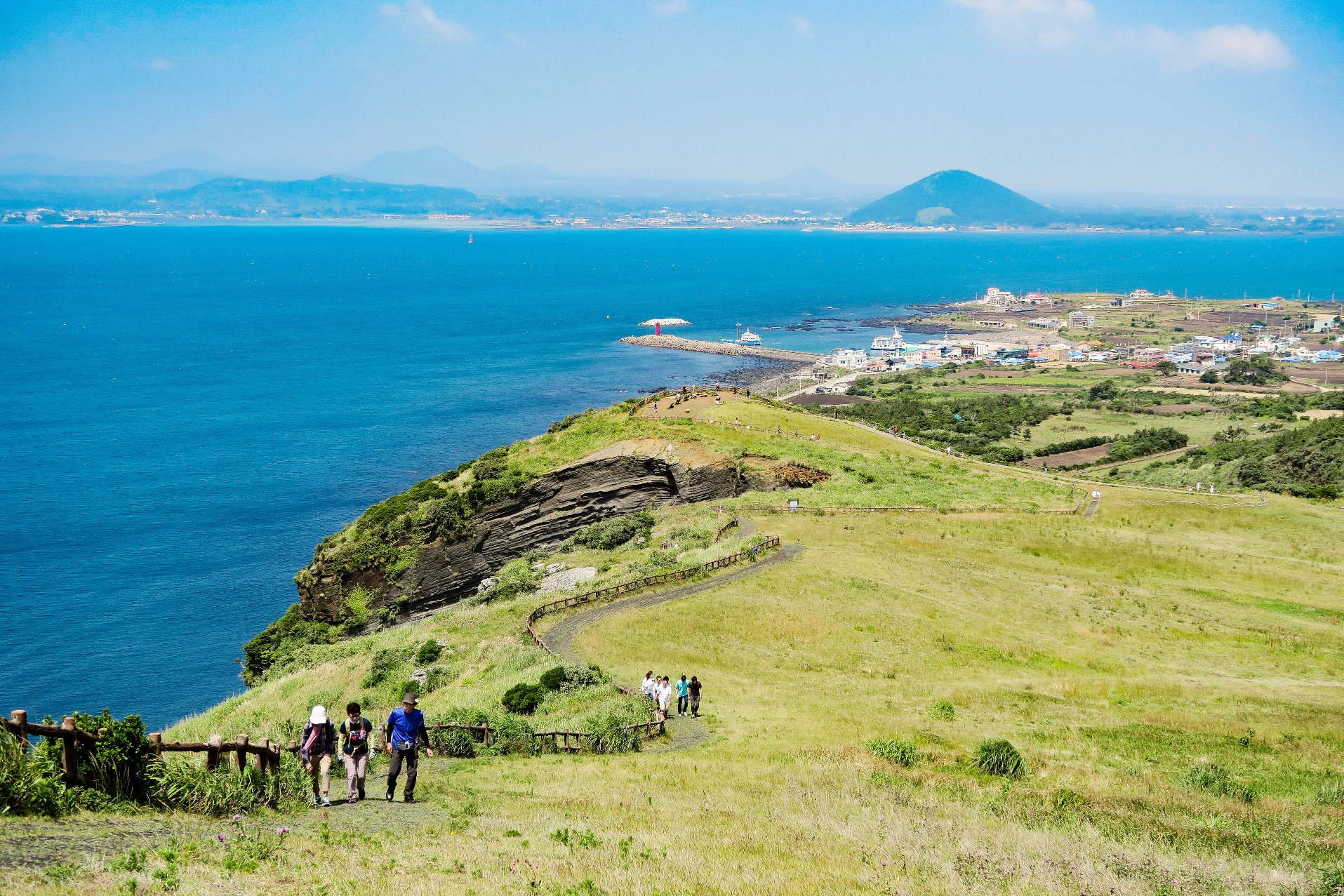 牛島(ウド)の展望台から済州島を望む(3日目)