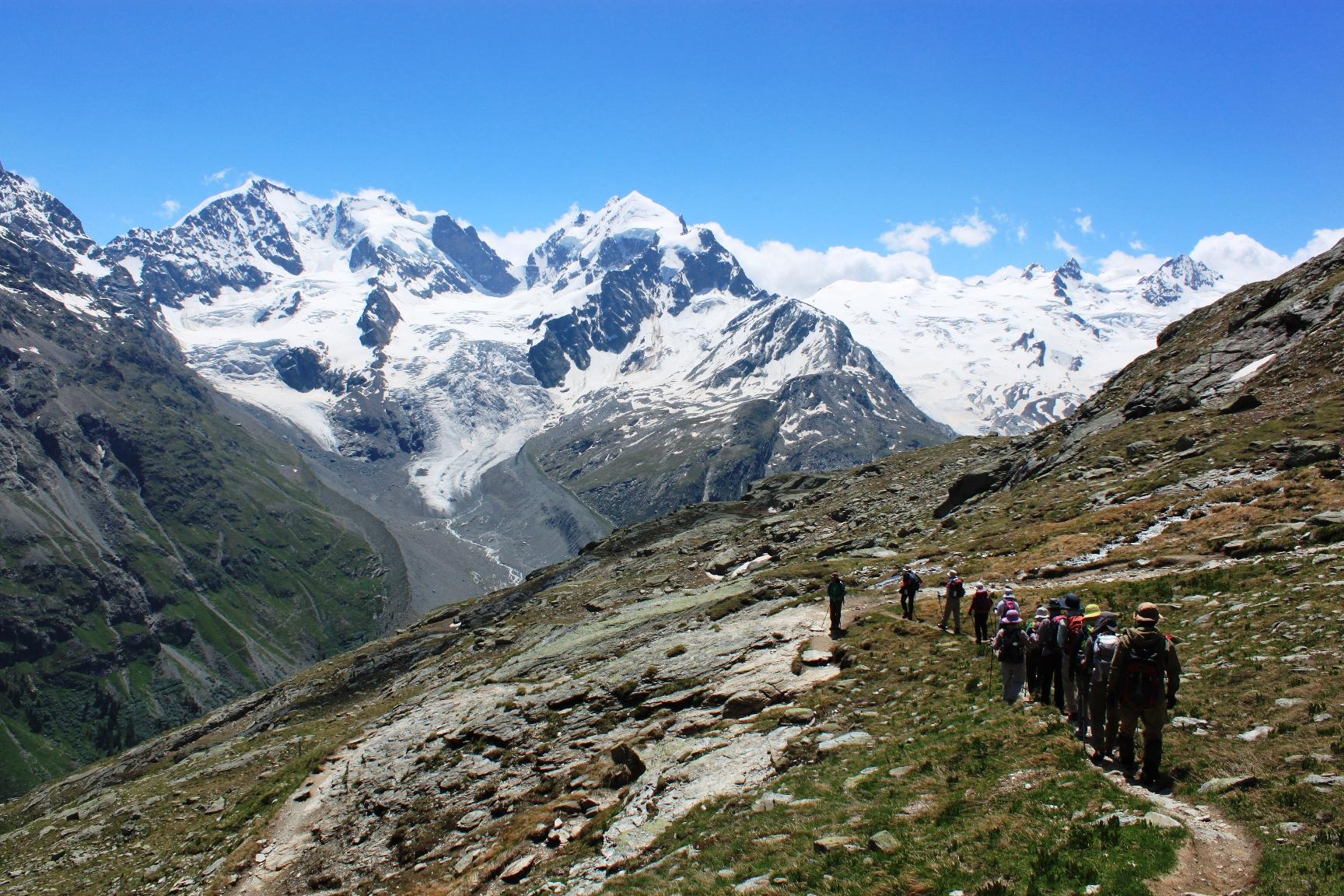 ベルニナ山群を展望するハイキング(3日目)