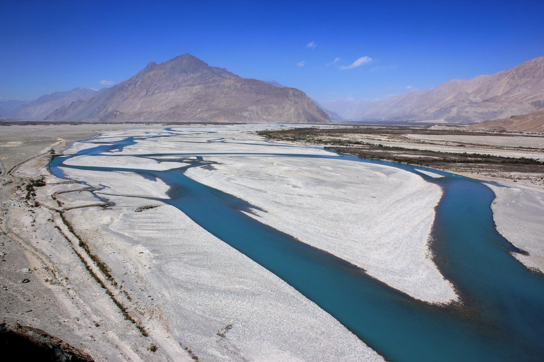 シャヨク川とヌブラ川が合流するヌブラ渓谷(4日目)