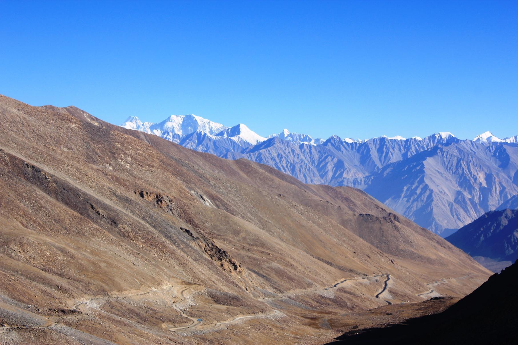 カルドゥン峠からのサセルカンリ山群(4日目)