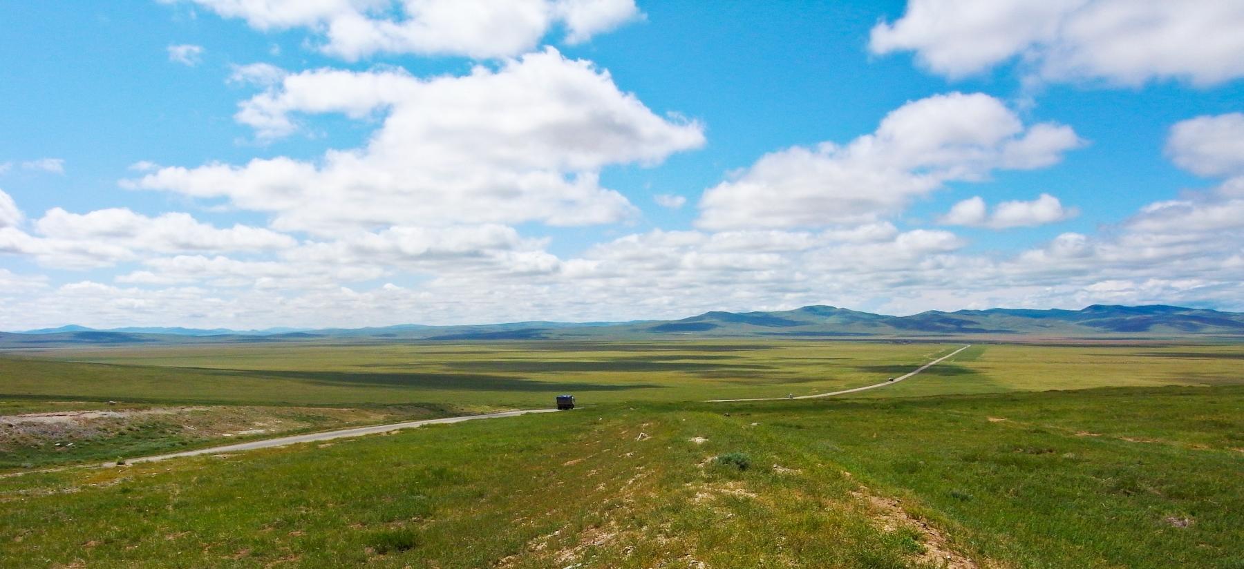 いかにもモンゴルらしい大草原が広がる