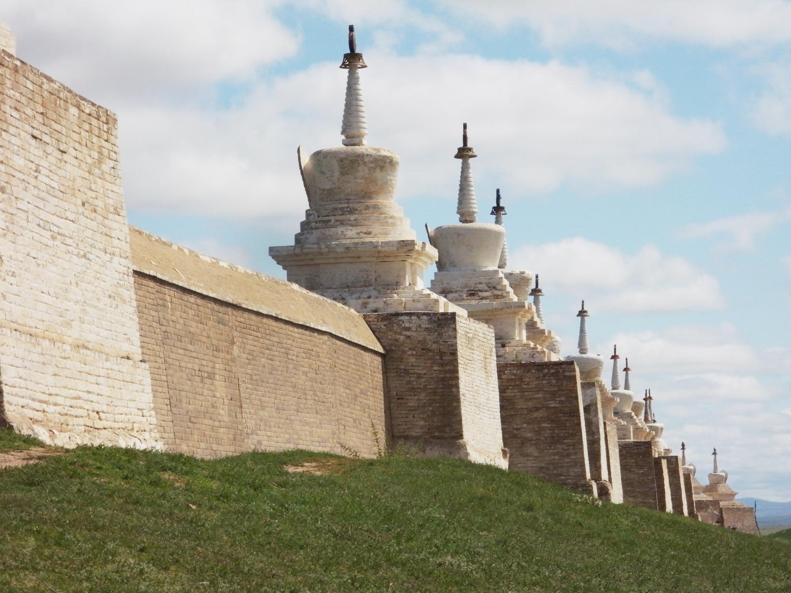 四方は420メートルの城壁で囲まれている