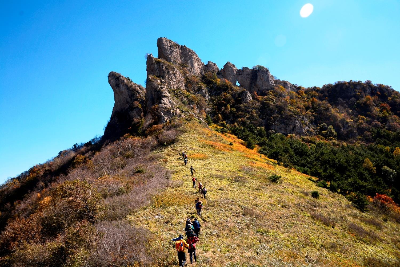 変化に富んだ景観と静かな山歩きが魅力の東太行山・青崖寨(チンヤザイ)ハイキング(2日目)