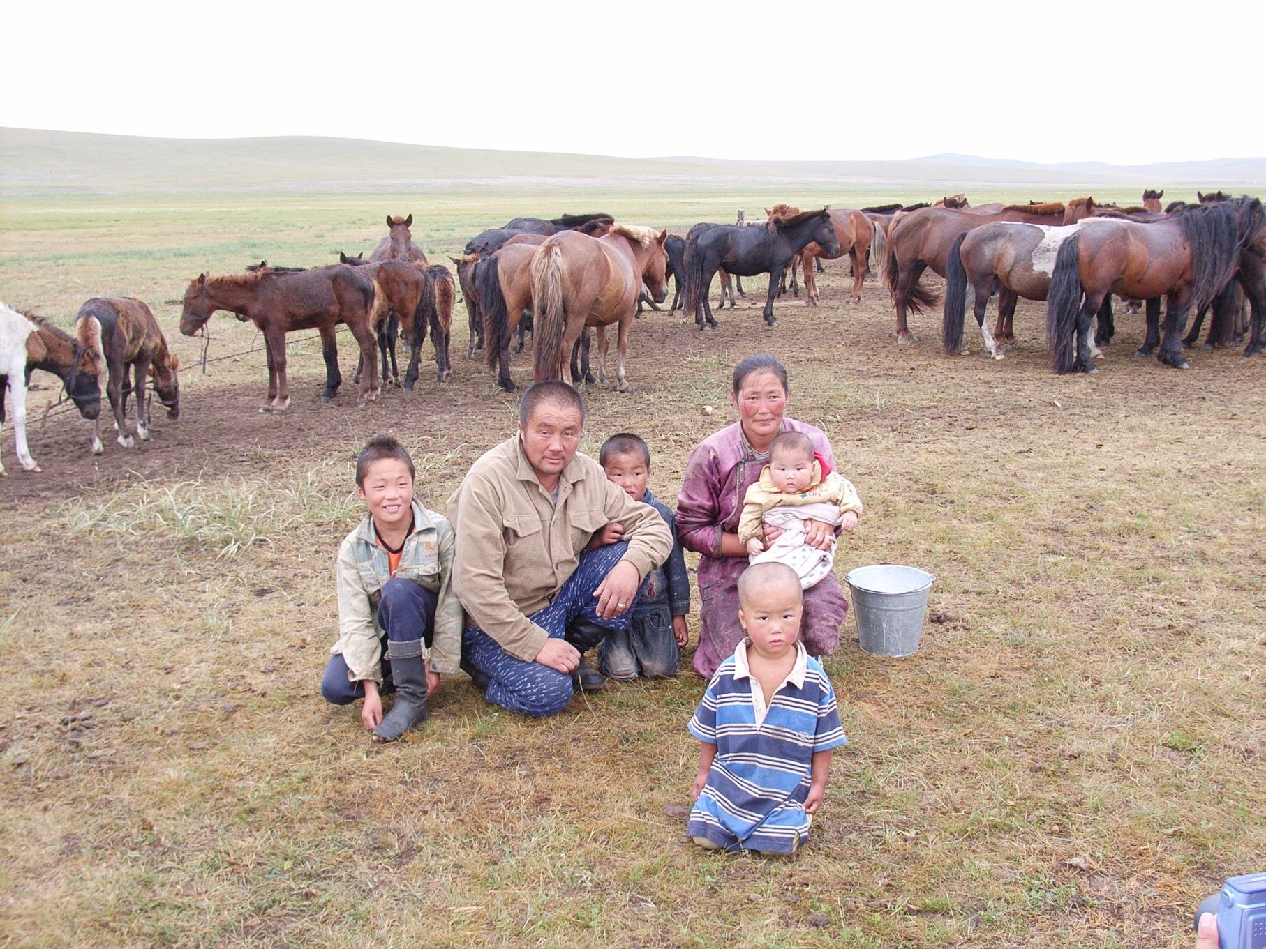 モンゴルの生活文化に触れる