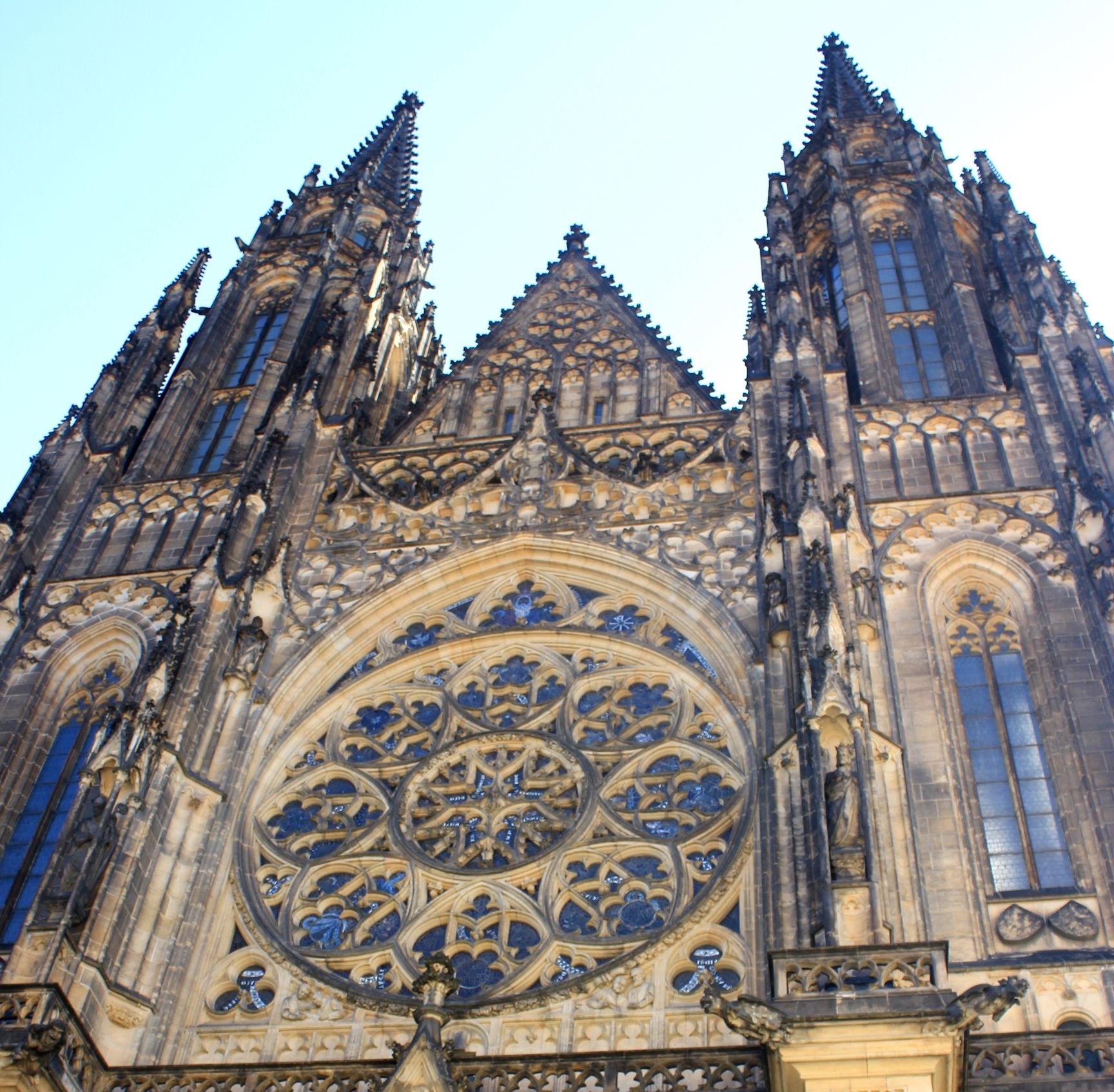 壮大なプラハ城を見学(6日目)