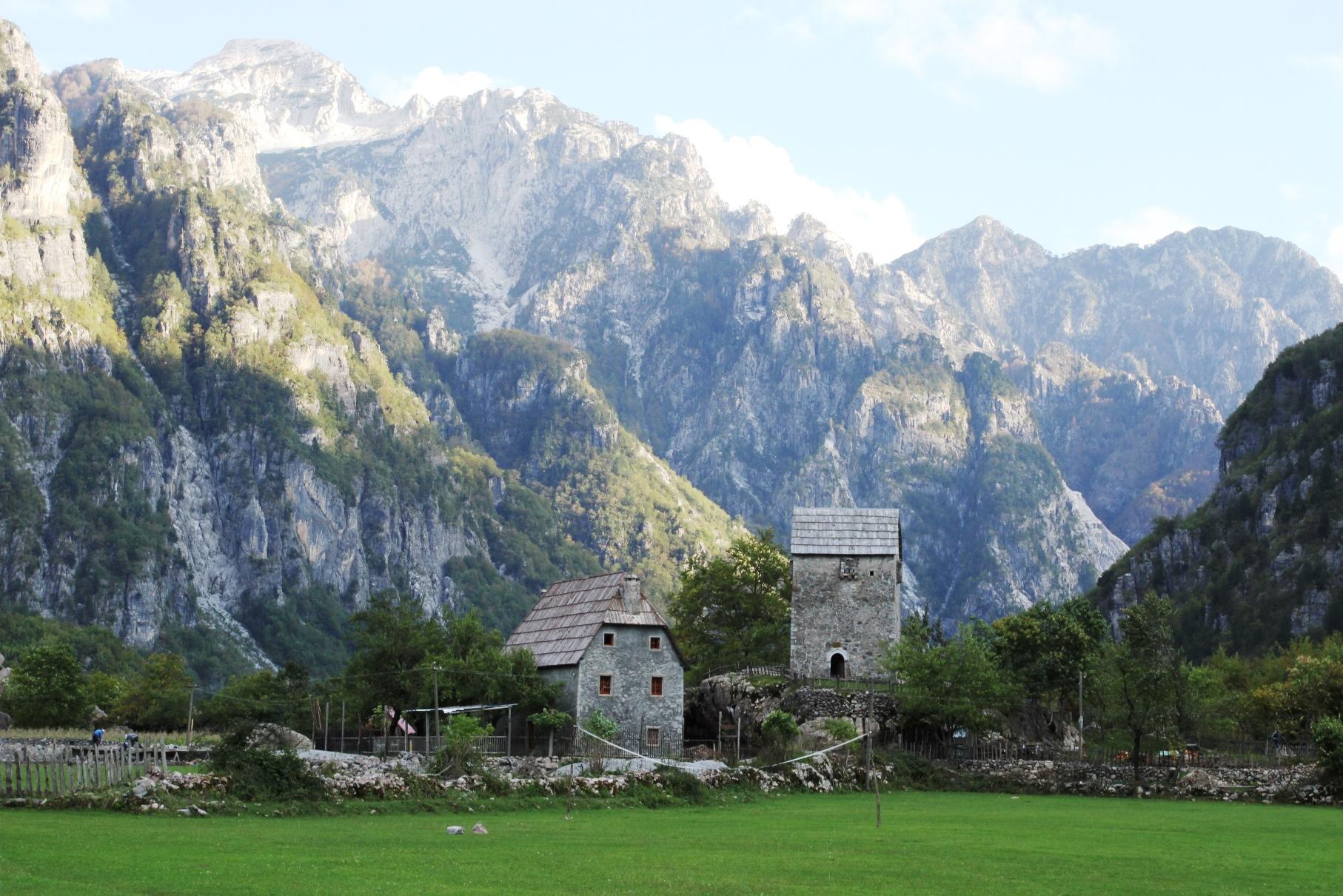 山に囲まれた隠れ里テシ村(3日目)