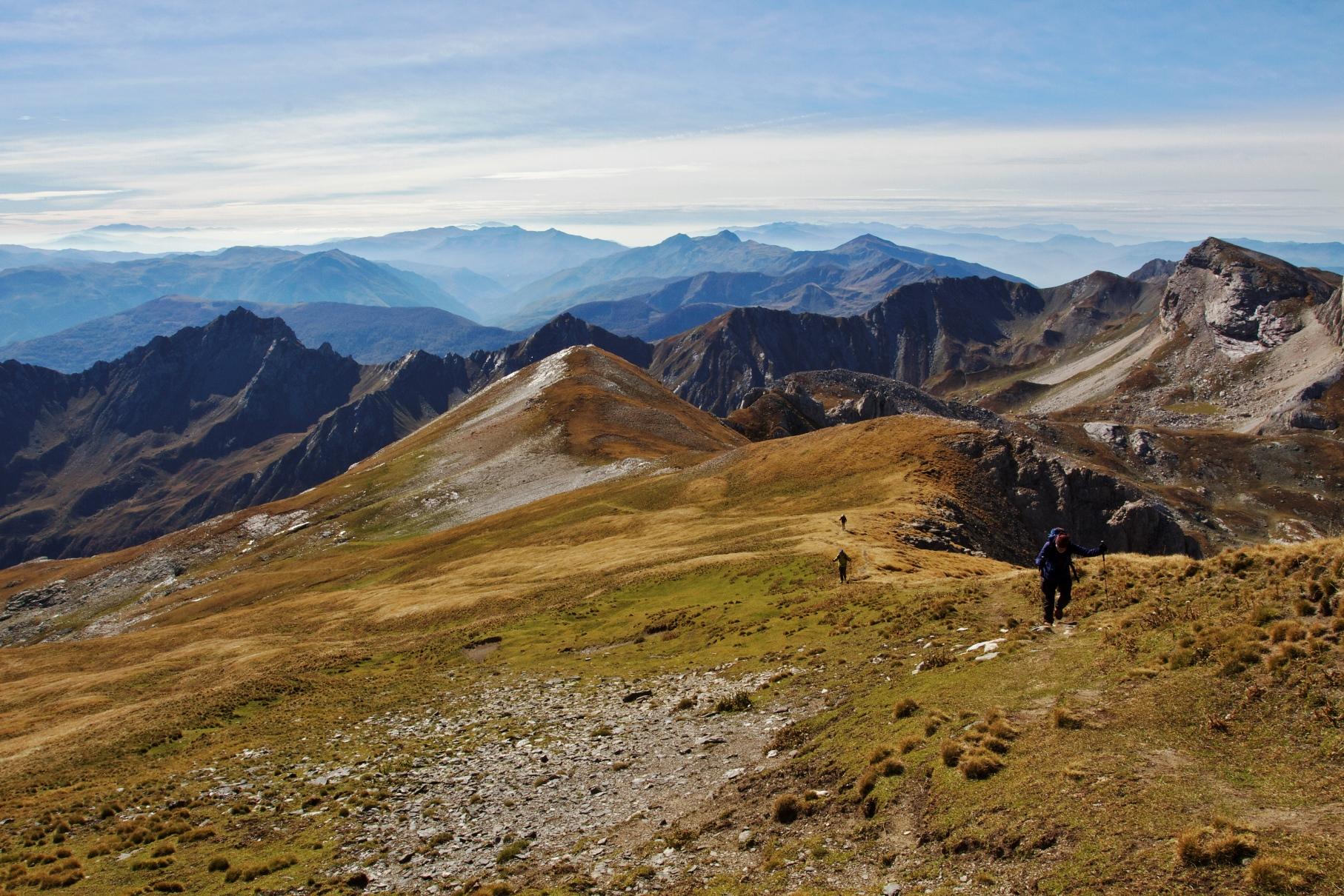 国境稜線をたどり山頂を目指す(7日目)