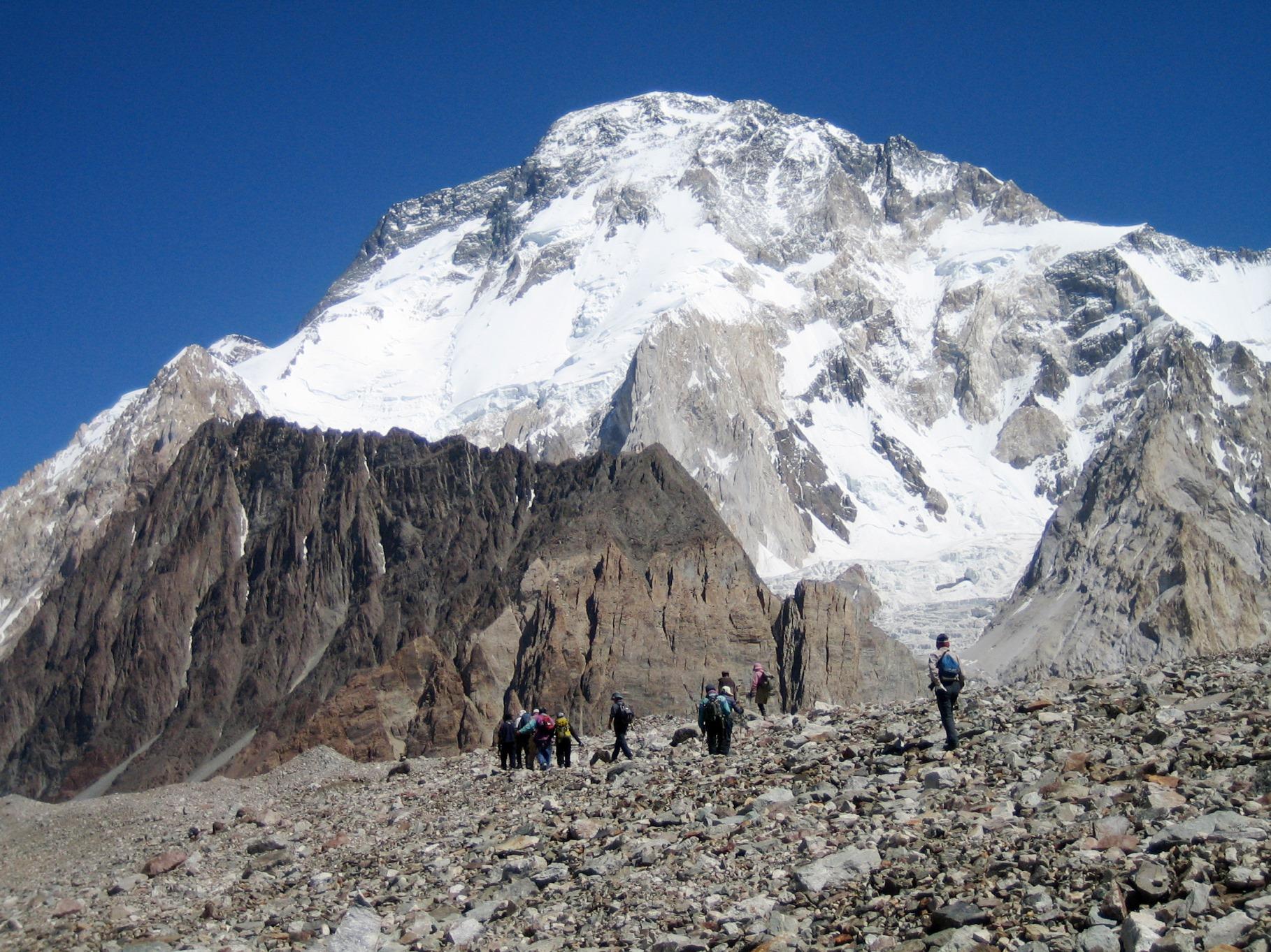 バルトロ氷河沿いからの名峰の数々②ブロードピーク(8,051m)