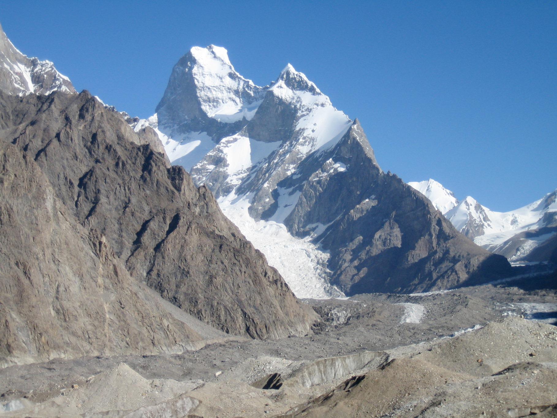 バルトロ氷河沿いからの名峰の数々 ④ムスターグ・タワー(7,284m)