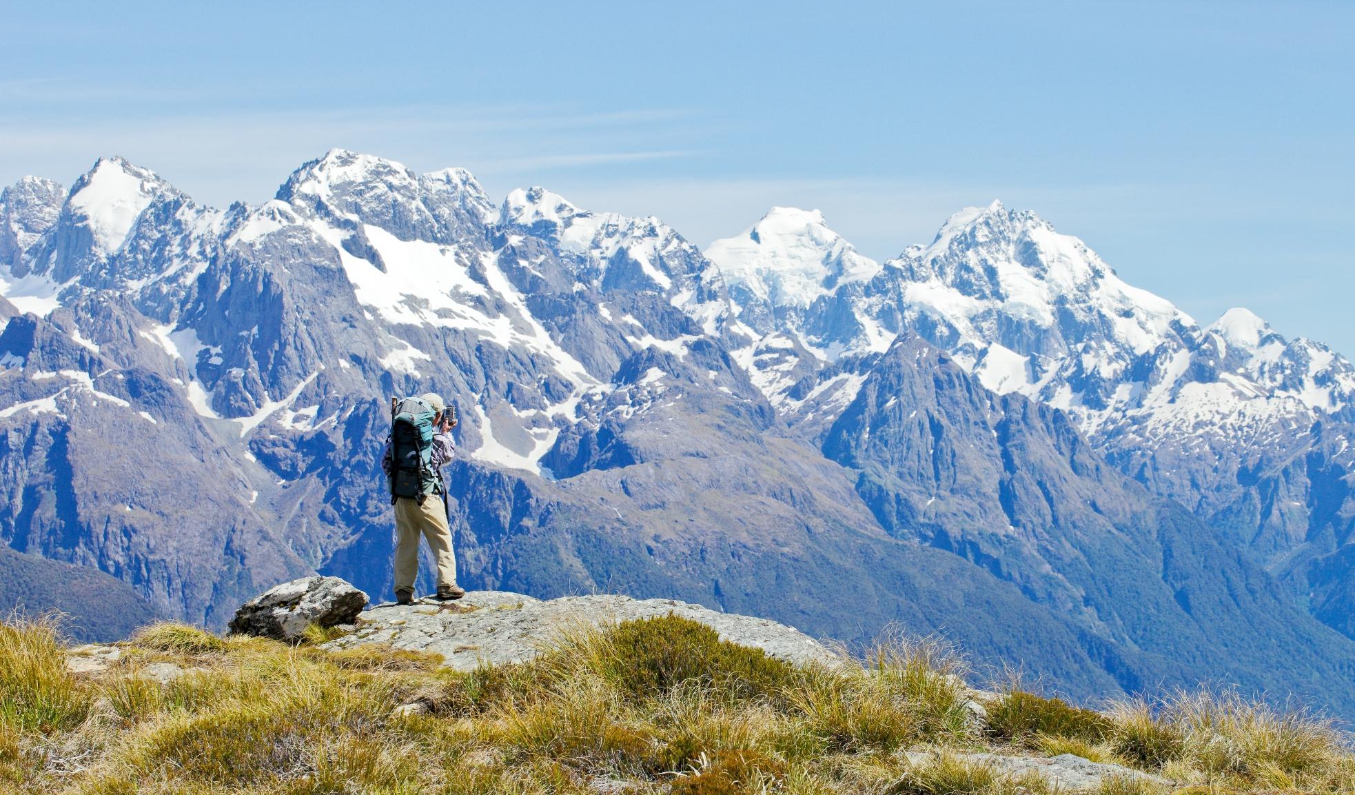 Mt.ツトコをはじめ山岳展望が素晴らしいルートバーン・トラックを2泊3日で縦走する