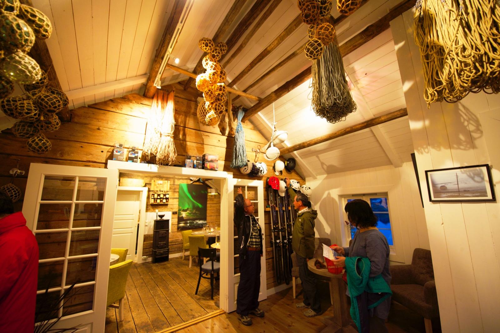漁師小屋を改装したロルブーの建物内