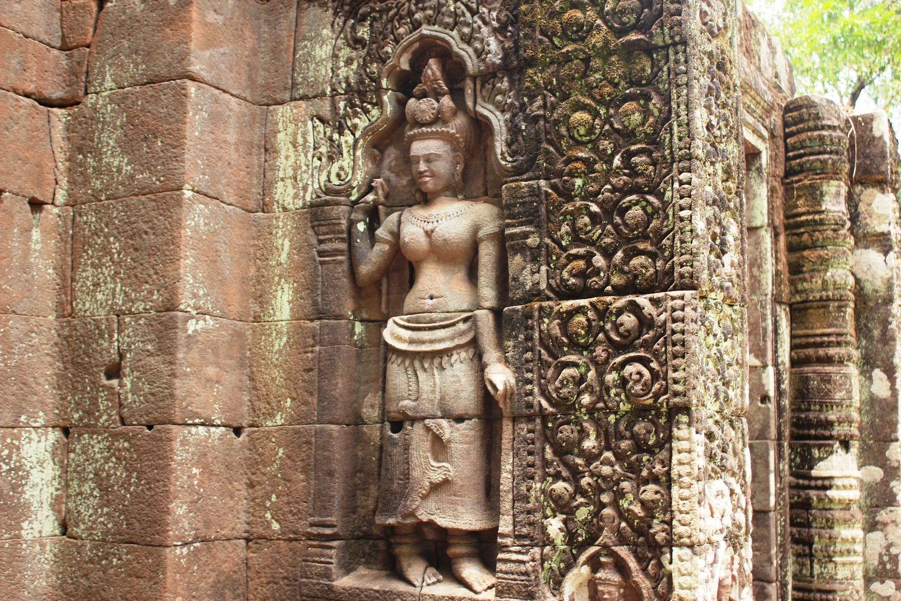 クメール文化の仏像