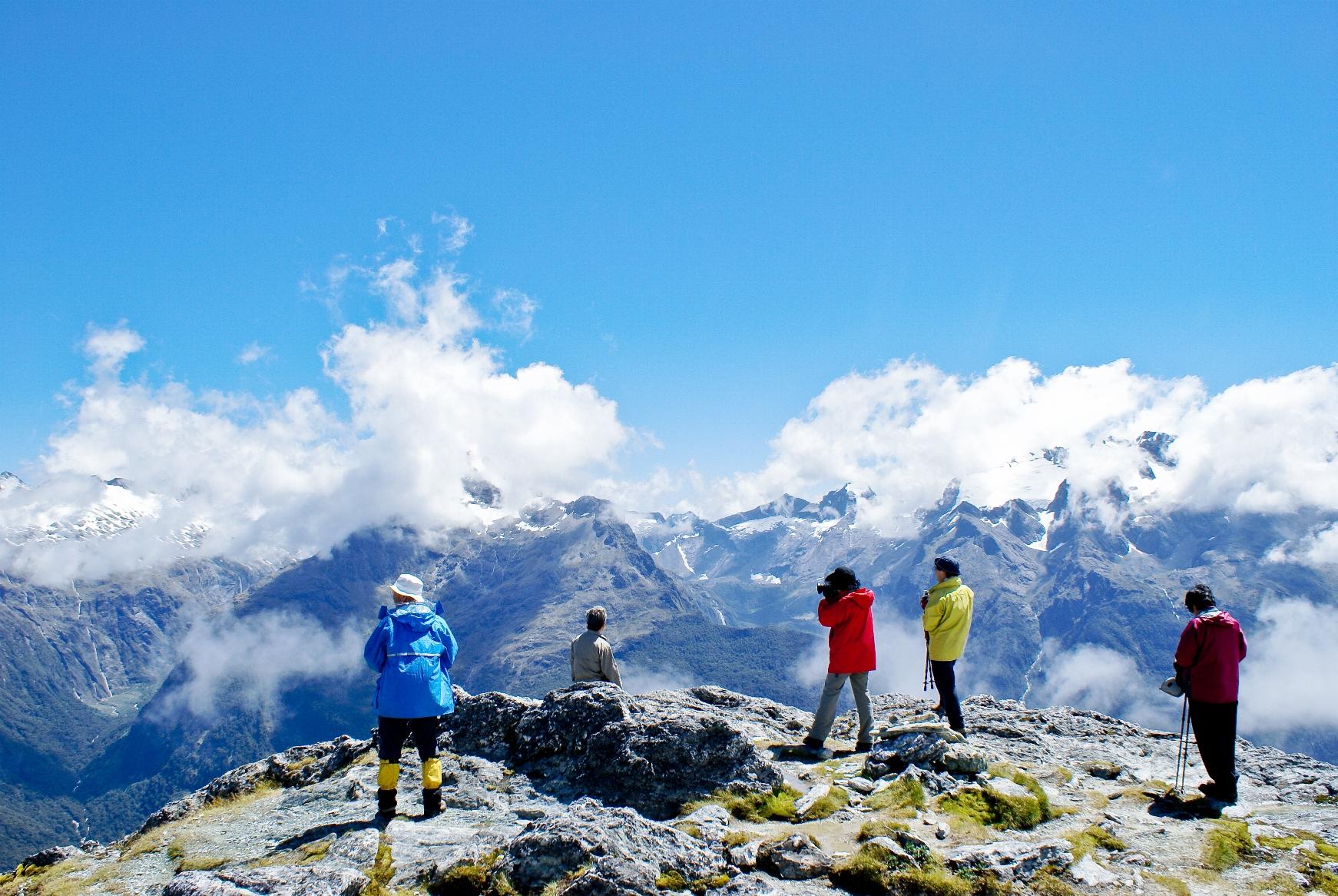 コニカルヒル展望地からダーラン山脈の眺め