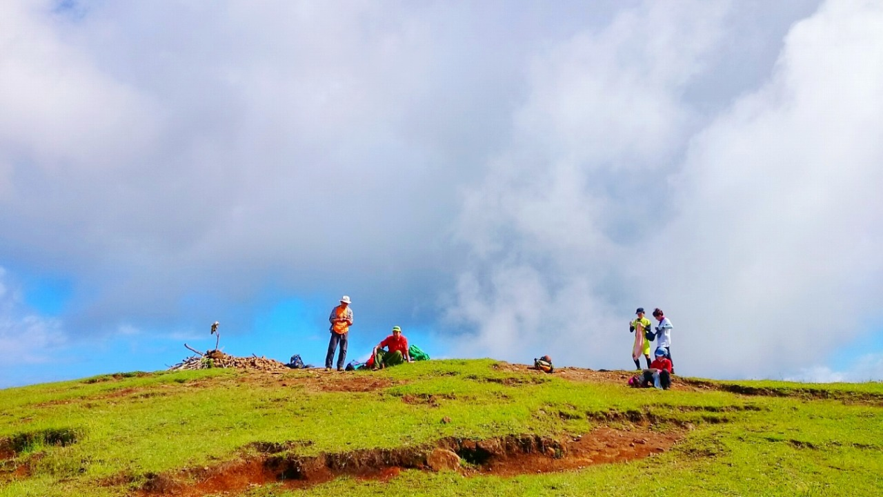 イースター島の最高点マウンガ・テレヴァカ(507m)