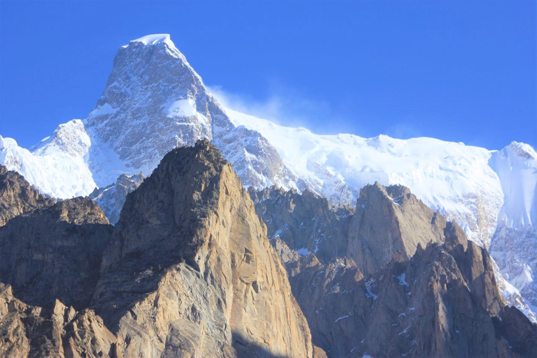 難攻不落の山として知られるウルタルⅡ峰(7,388m)