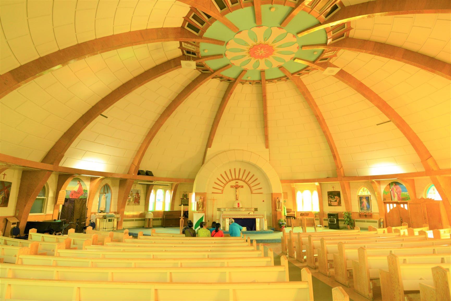 イグルー型の教会(イヌビックにて)