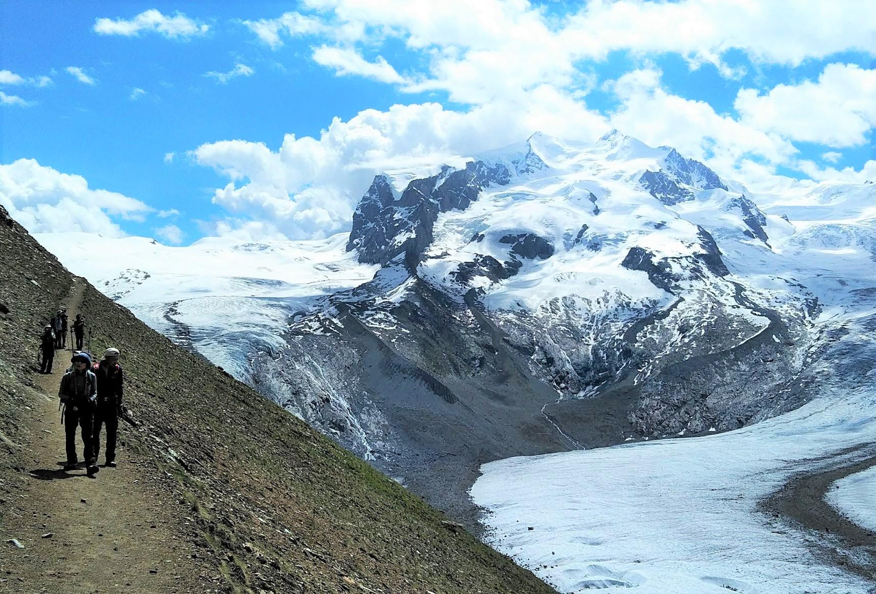 ゴルナー氷河とモンテローザを望むハイキング(4日目)