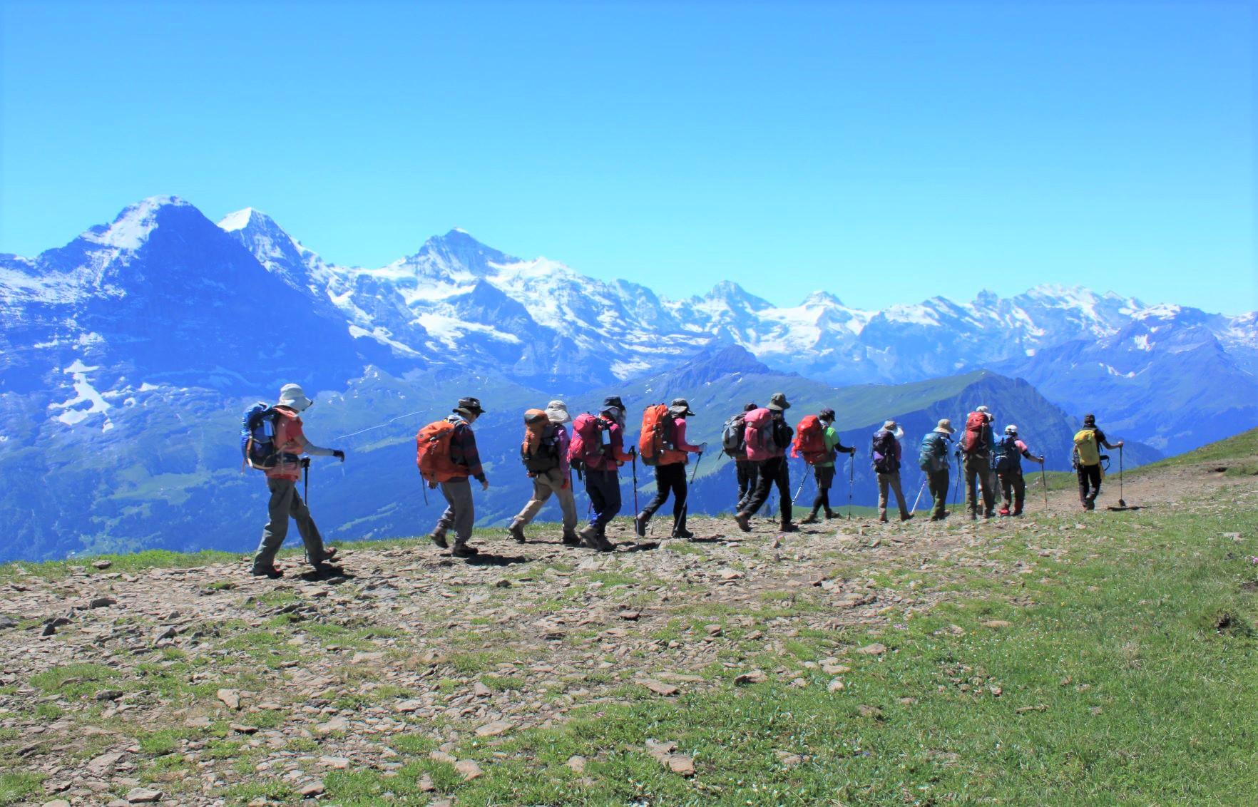 ファウルホルンからシーニゲ・プラッテへのパノラマ稜線縦走(3日目)