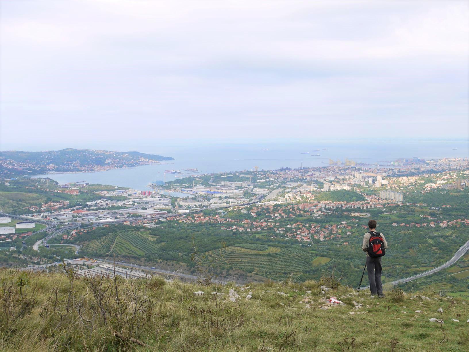 丘の上まで一登り。アドリア海とトリエステの街をのぞむ展望地へ(8日目)
