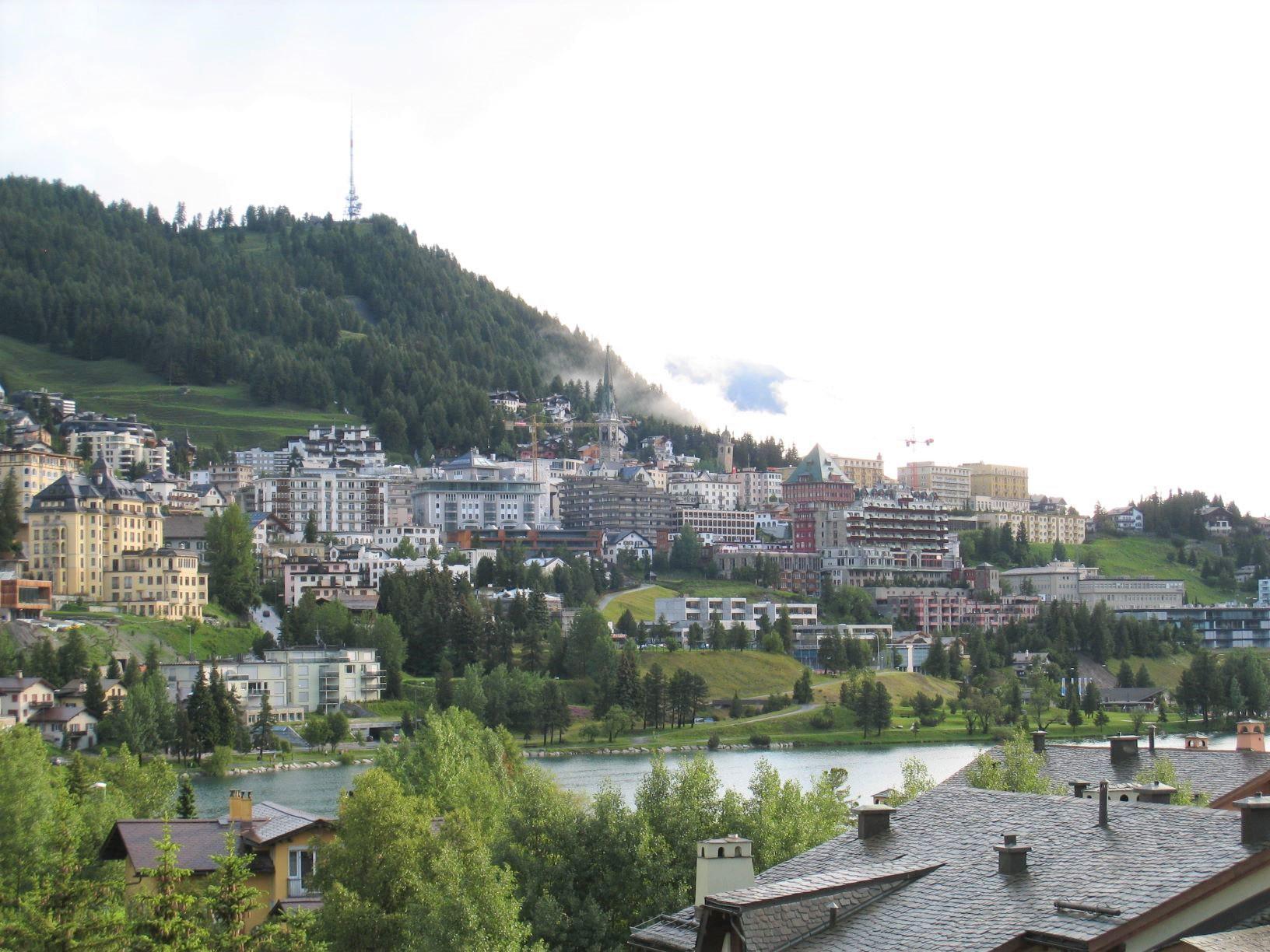 高級山岳リゾートとして有名なサンモリッツ