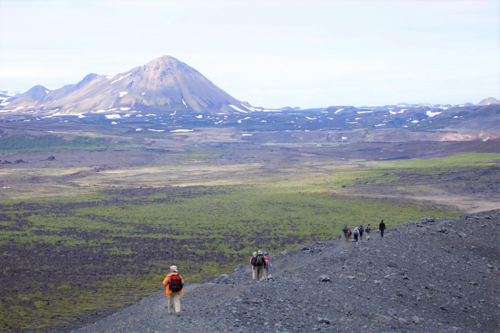 アイスランド北部ミーヴァトン周辺の溶岩台地をハイキング(6日目)