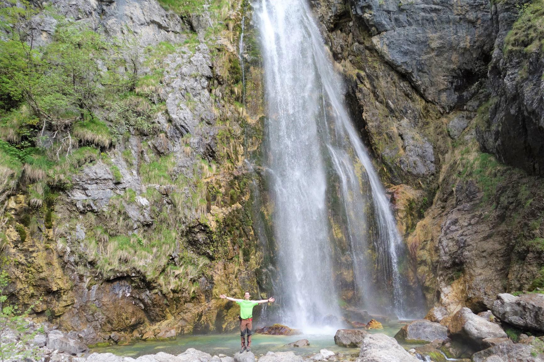 テシ村付近の滝(6日目)