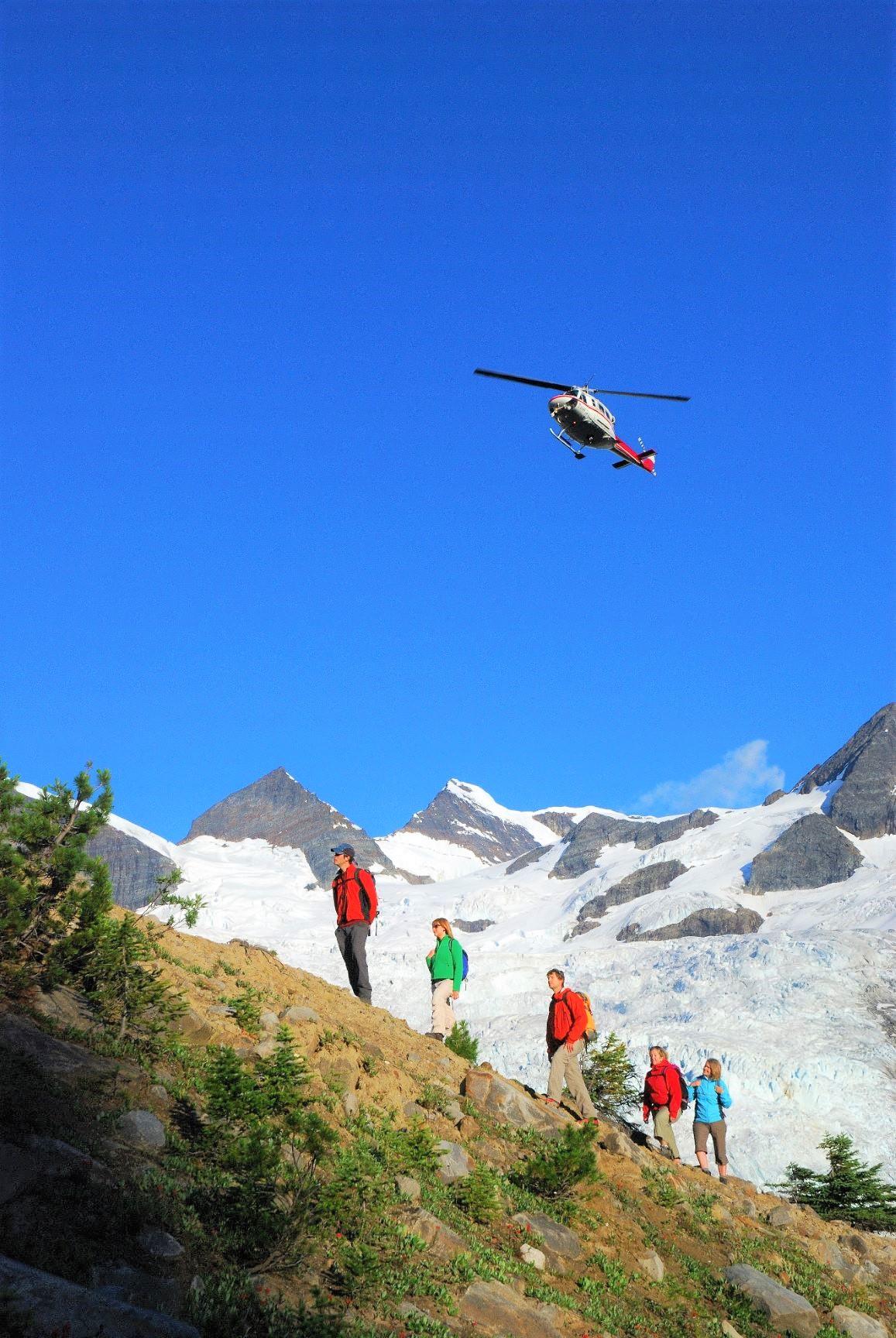 ヘリ・ハイキングは毎日が感動と驚きの連続