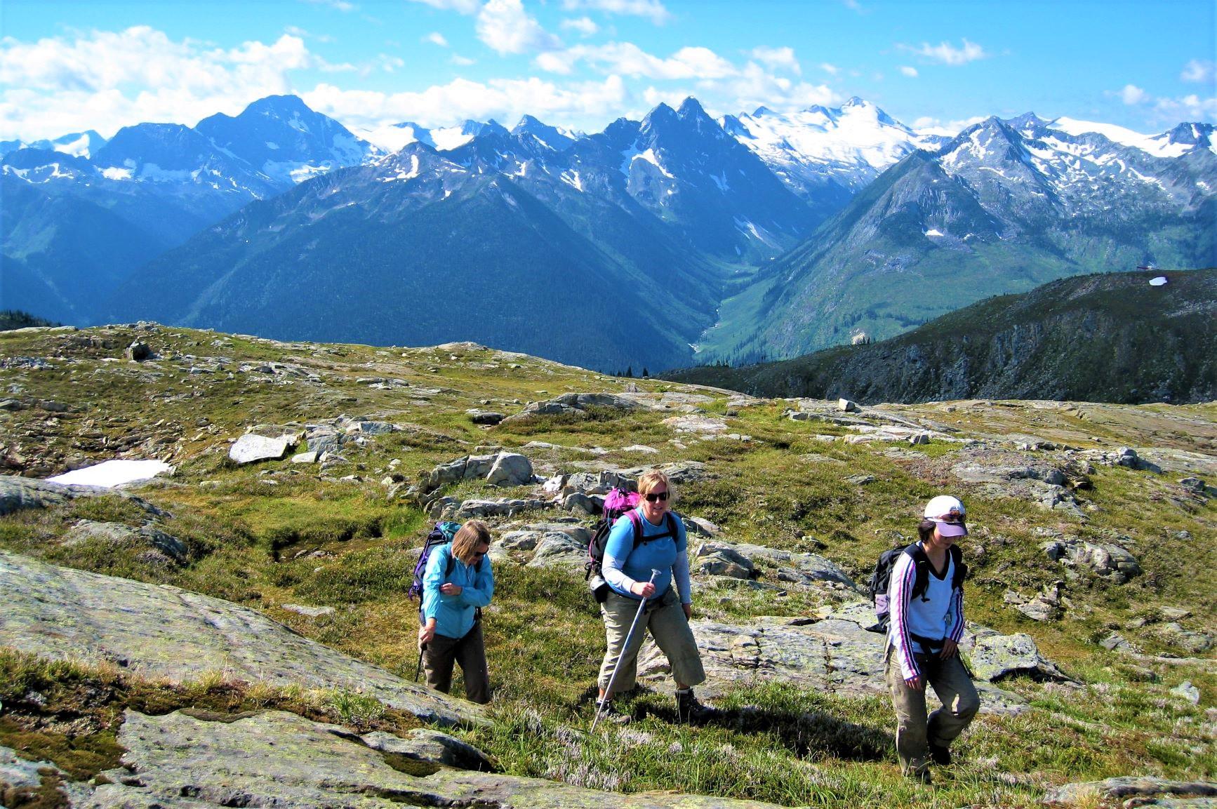 カナダらしい光景が広がる山上の別天地にいるのはロッジ滞在者のみ