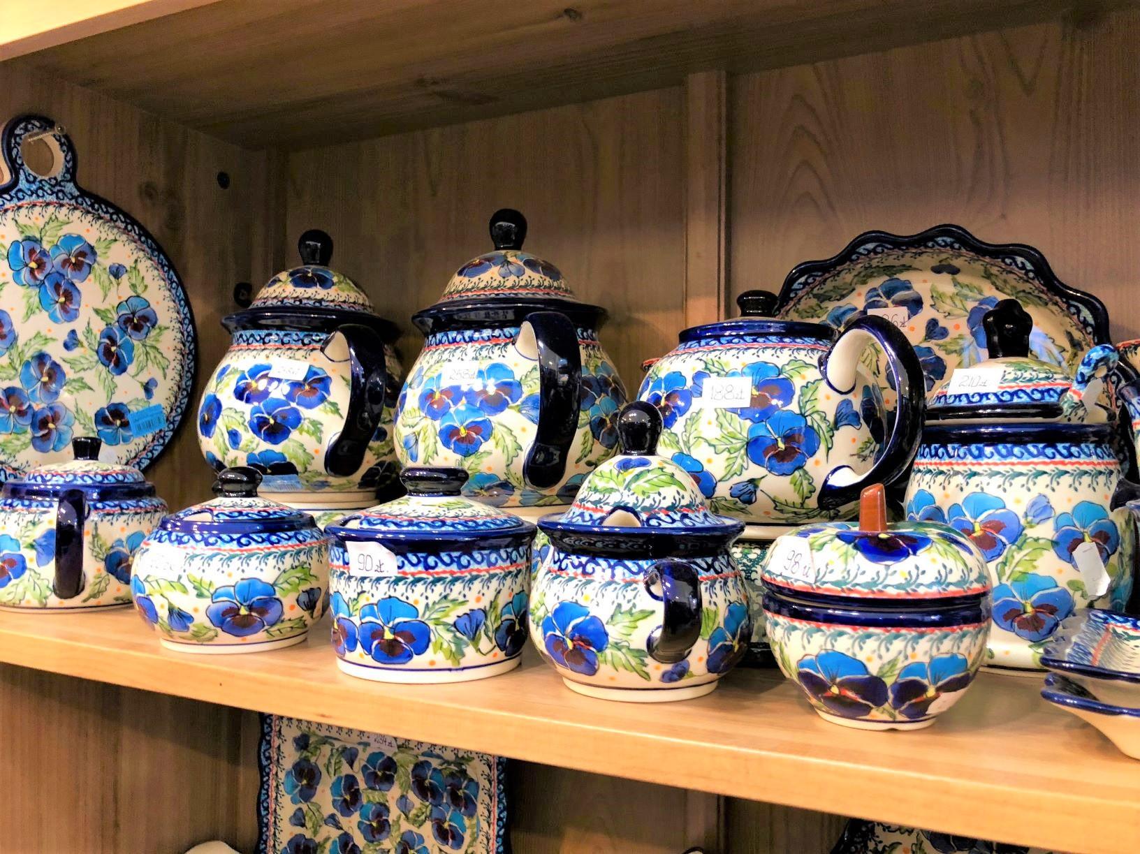 可愛らしいポーランド陶器