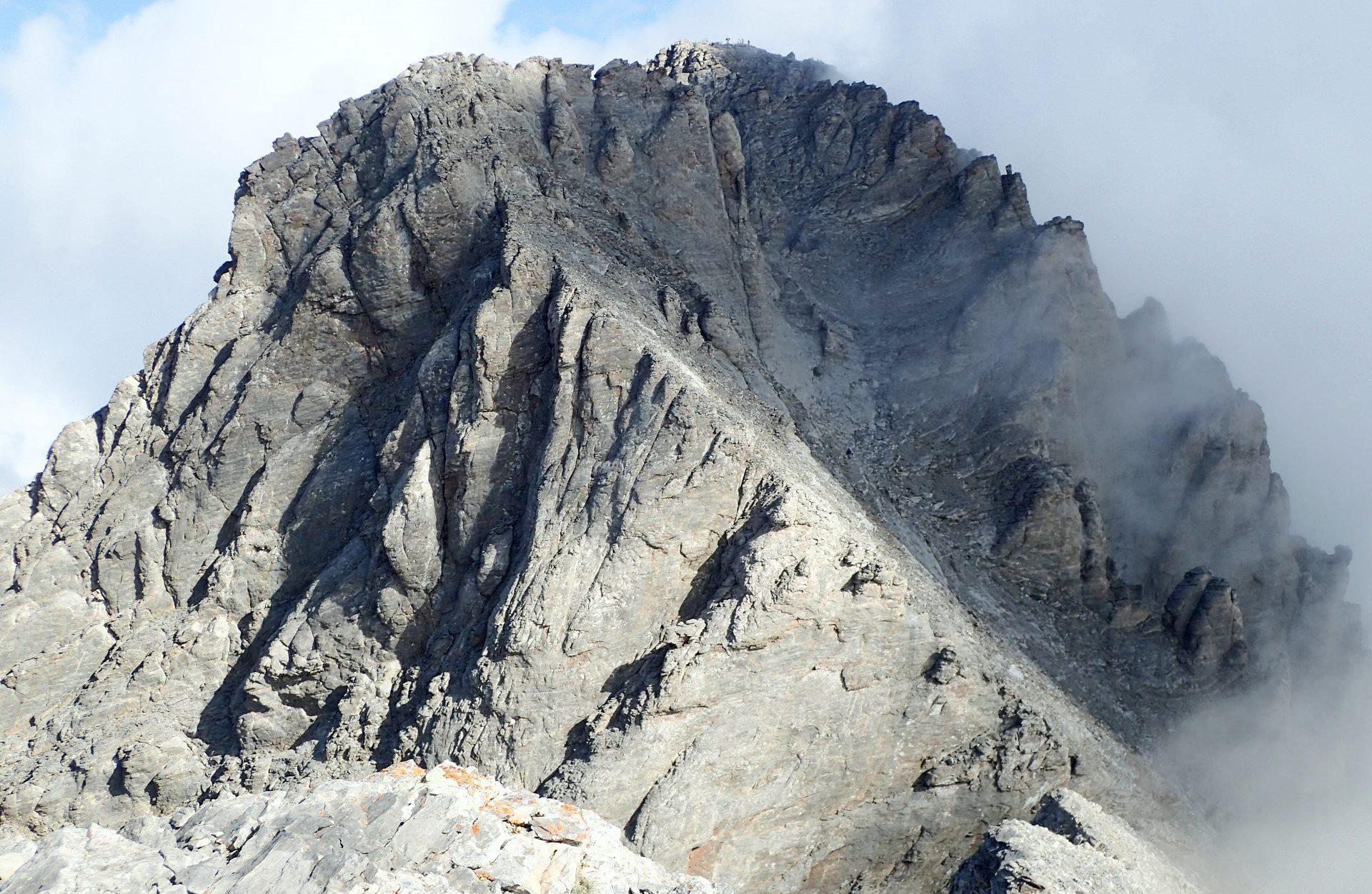 スコーリオ・ピークからの最高点ミティカス・ピーク(5日目)