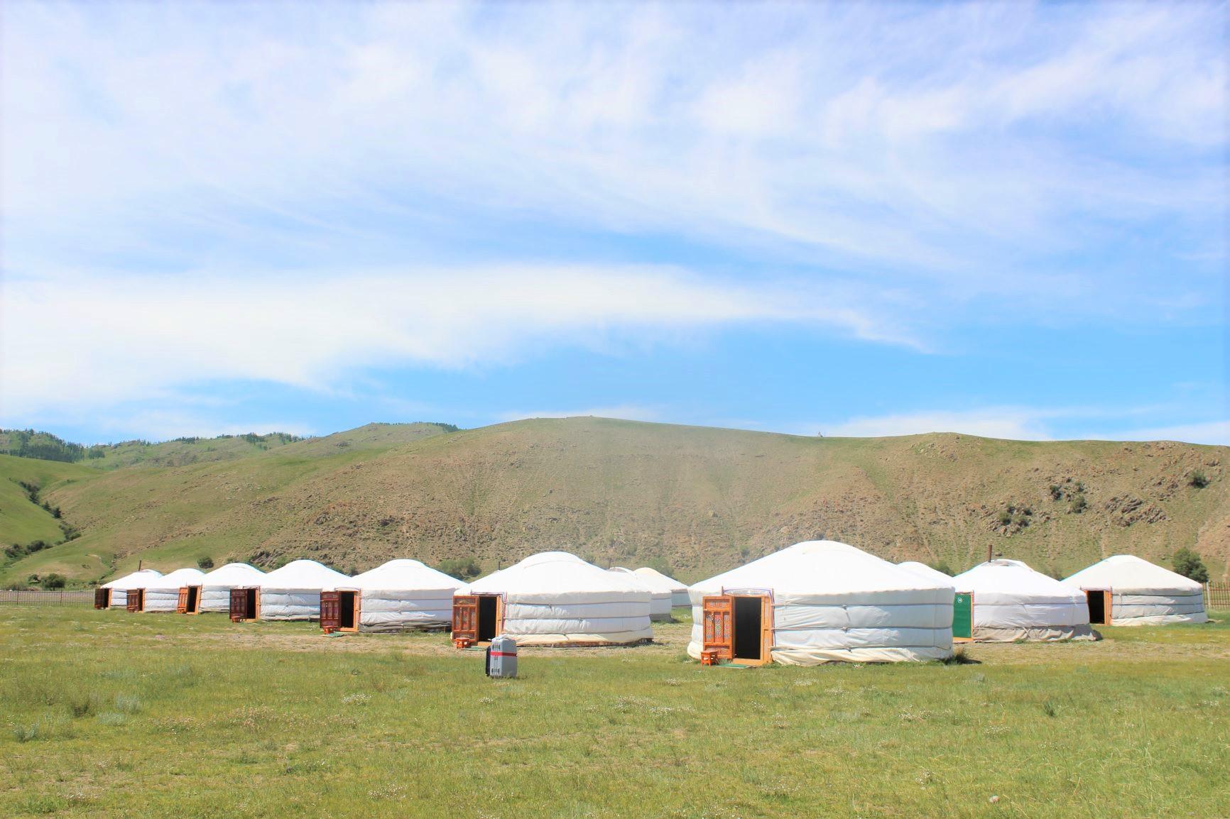 ゲルに宿泊するタイプのツーリストキャンプ