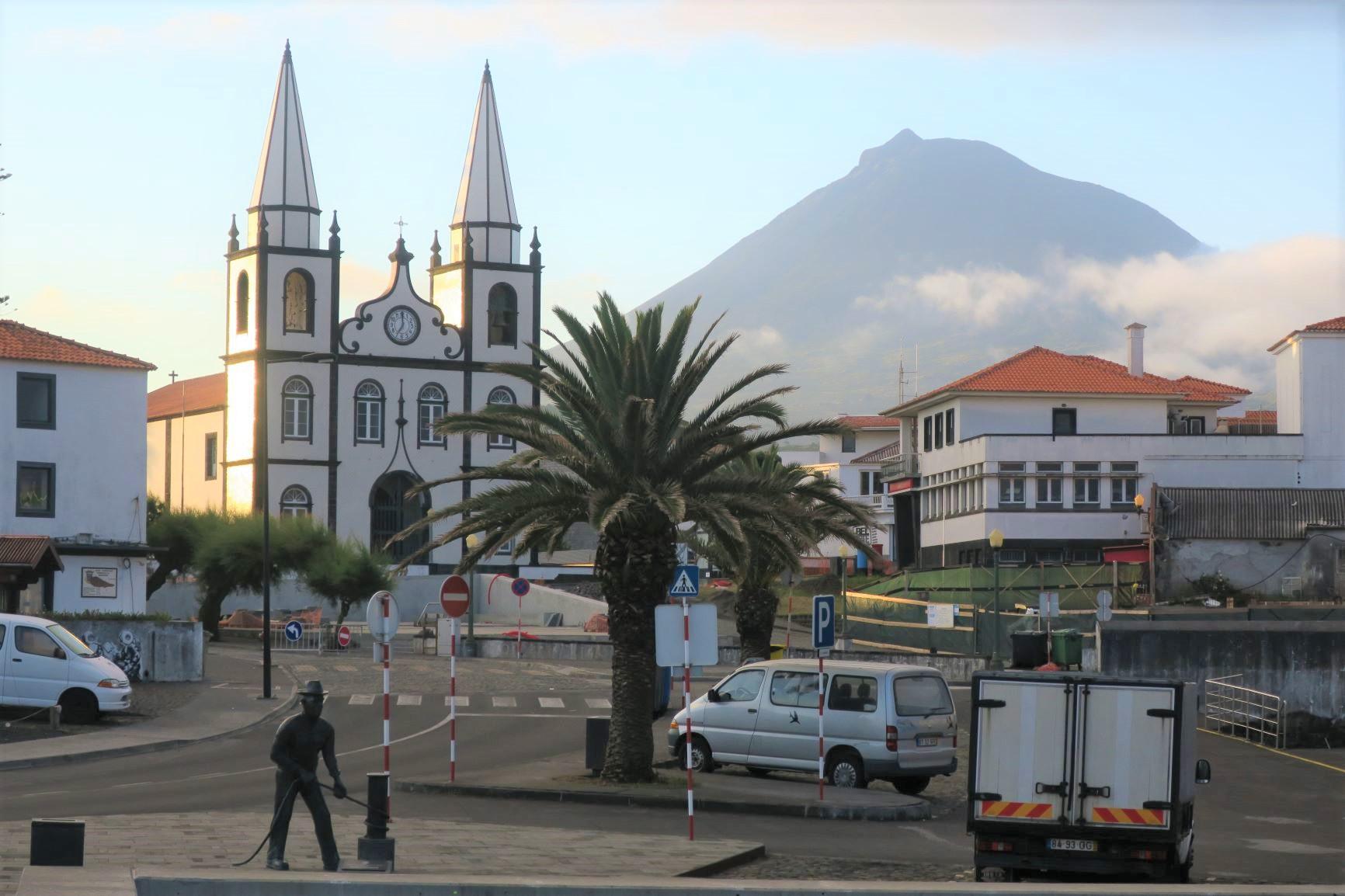 ピコ島のマダレーナの街から望むピコ山の雄姿(6・7日目)