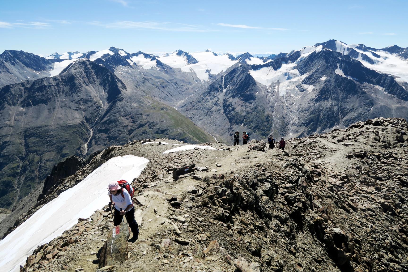 エッツタール山群の展望を望む(4日目)