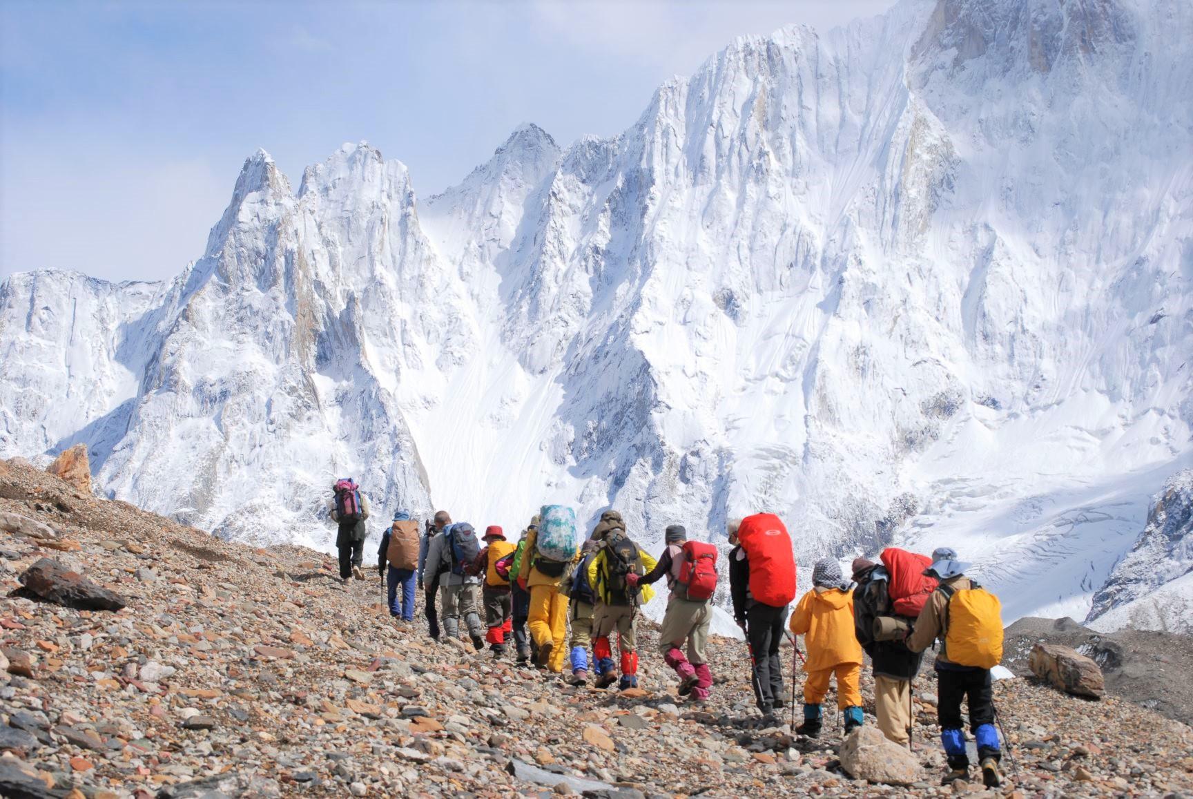 2週間以上バルトロ氷河上を歩く