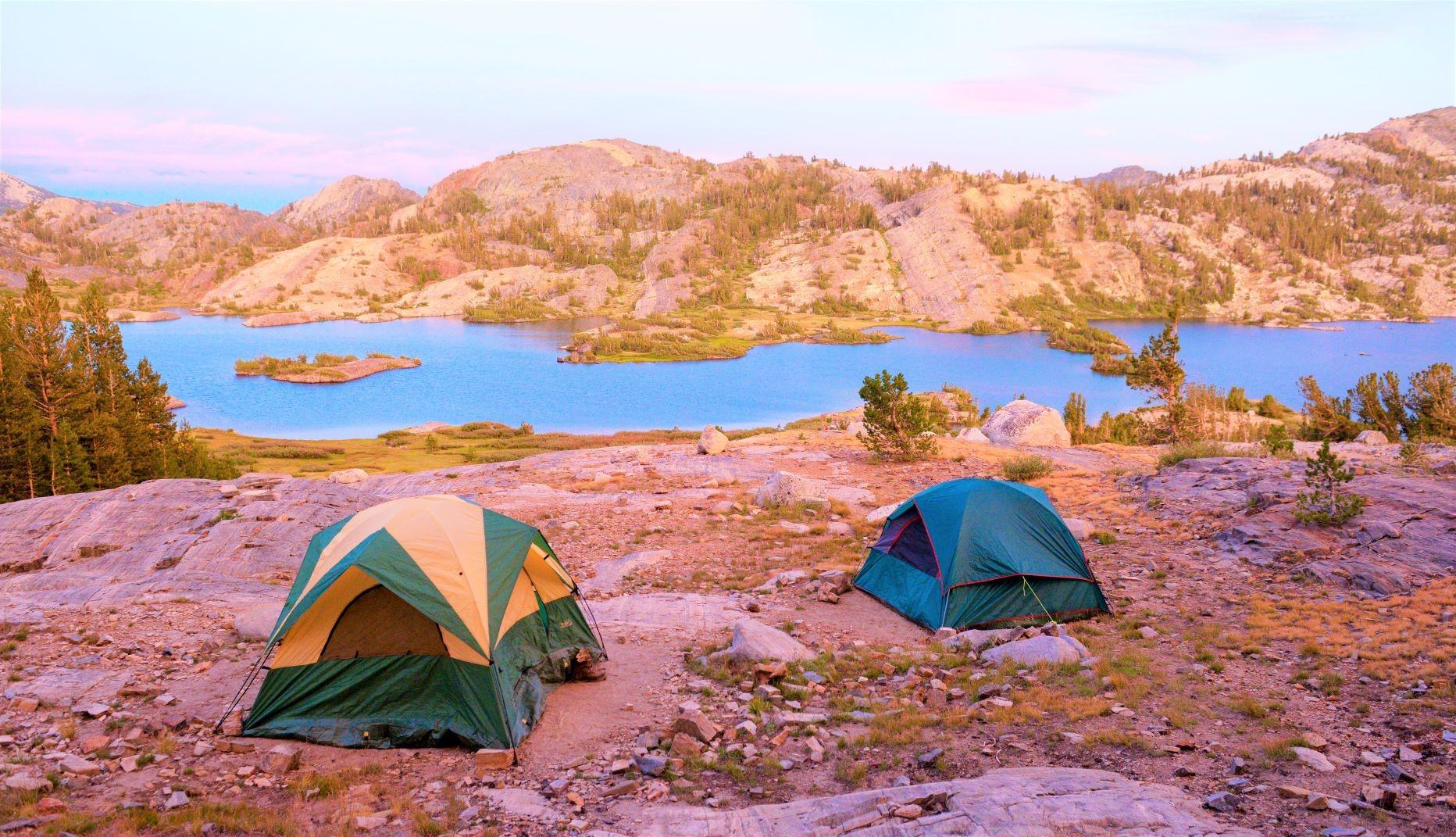 湖畔の静かなキャンプサイトに2連泊。大自然に抱かれての一夜は格別(2・3日目)