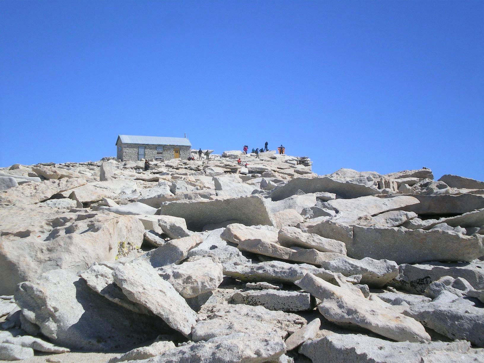 アメリカ本土最高峰の頂は目の前