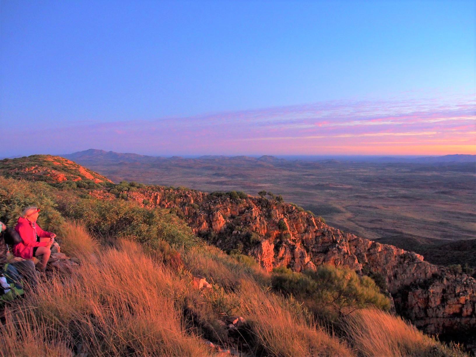 Mt.ソンダー(1,360m)の山頂へ(6日目)