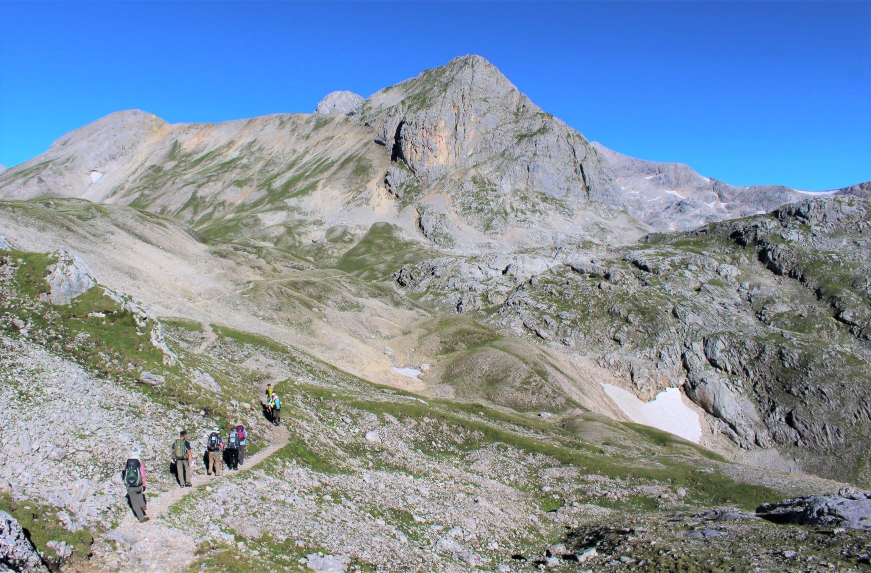 巨大な山塊が連なるダハシュタイン・エリアを歩く(5日目)