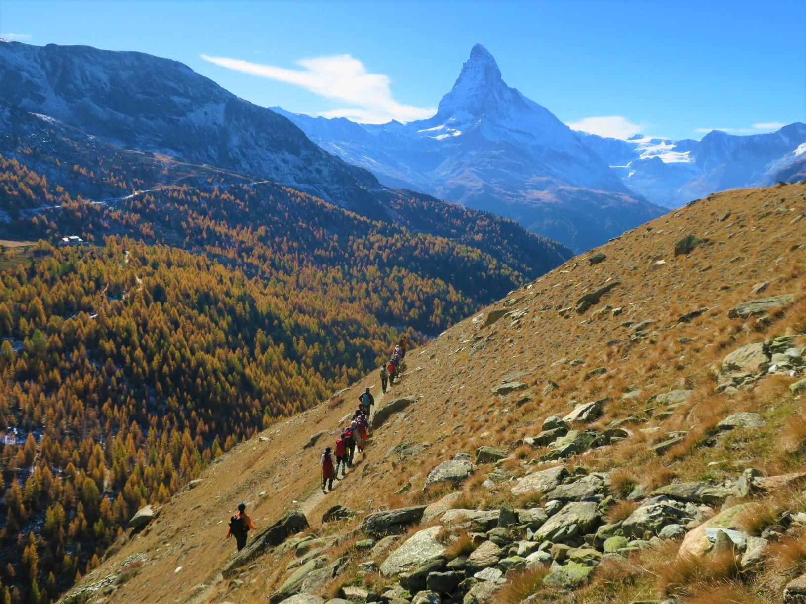 マッターホルンを眺めながら秋の黄葉ハイキング(7日目)