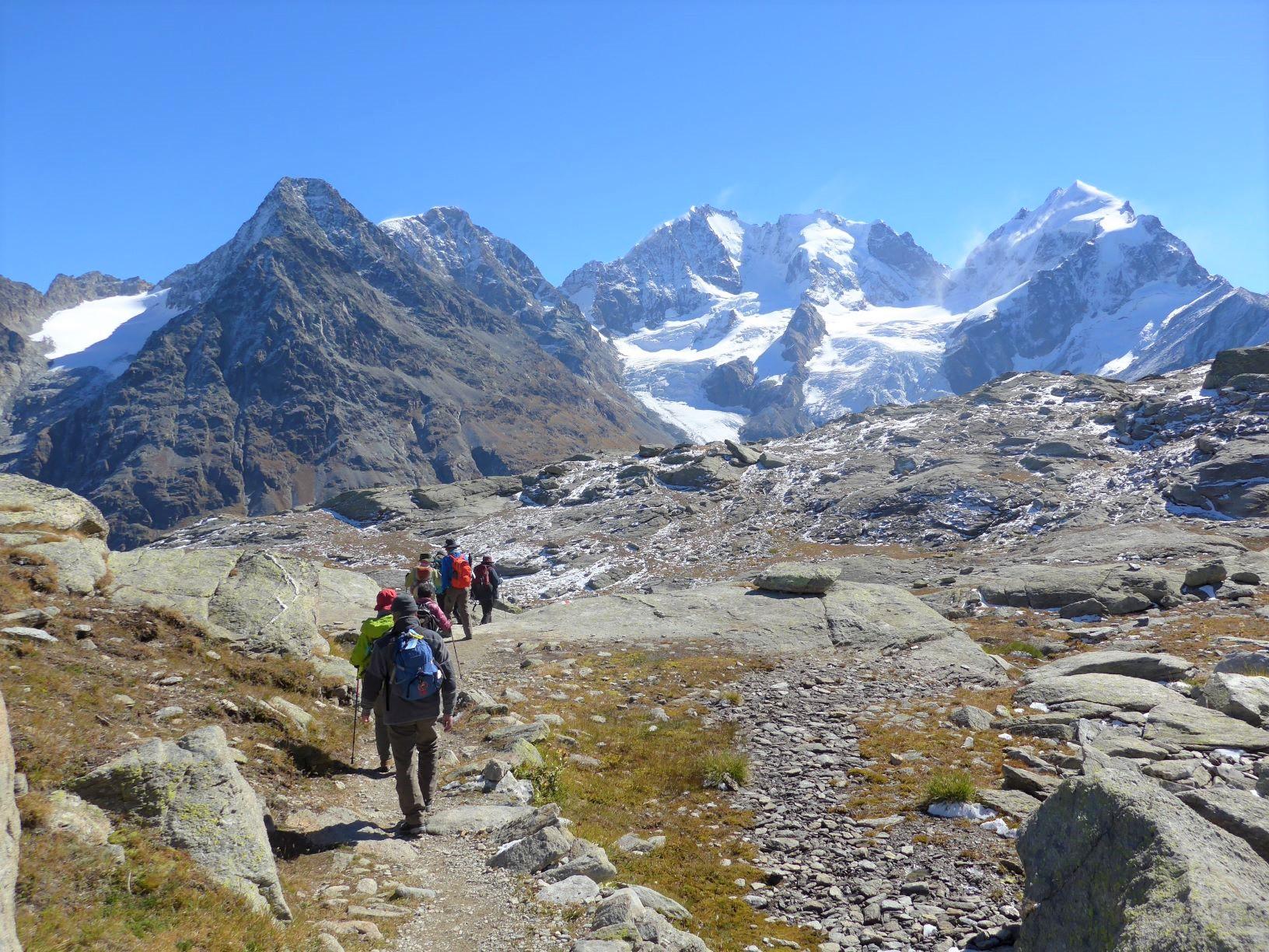 ベルニナ山群を望むロゼック谷ハイキング(4日目)
