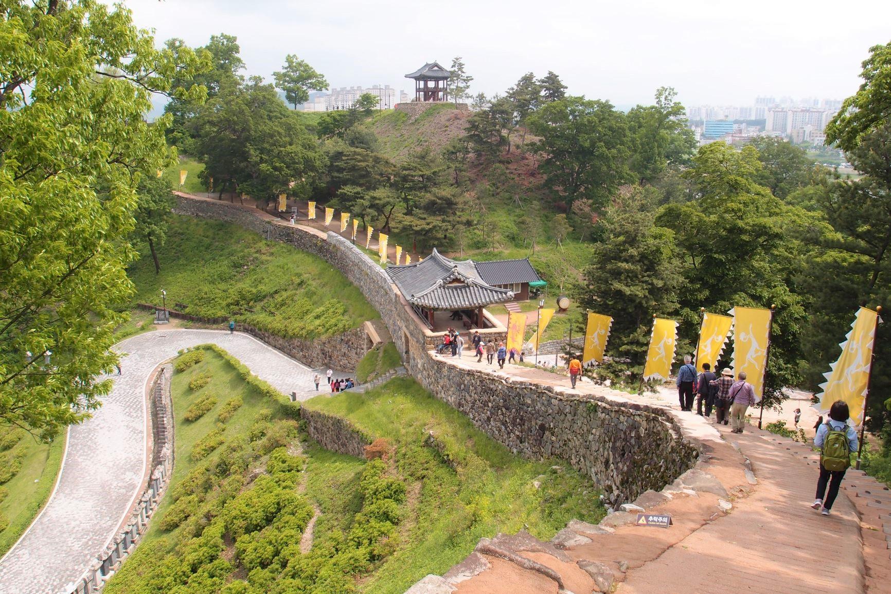 百済時代の公山城(コンサンソン)