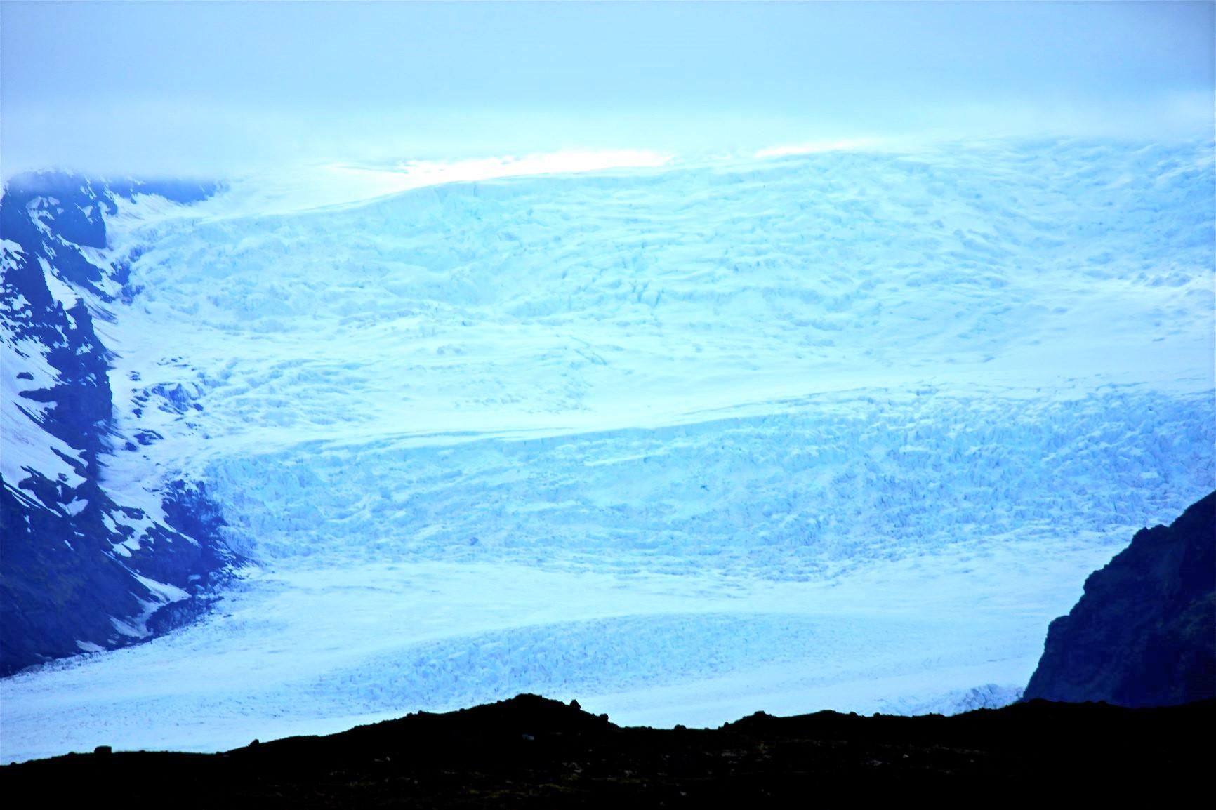 雄大なヴァトナヨークトル氷河