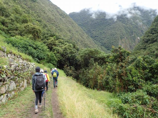 インカの古道を通り、ウィニャワイニャ遺跡へ