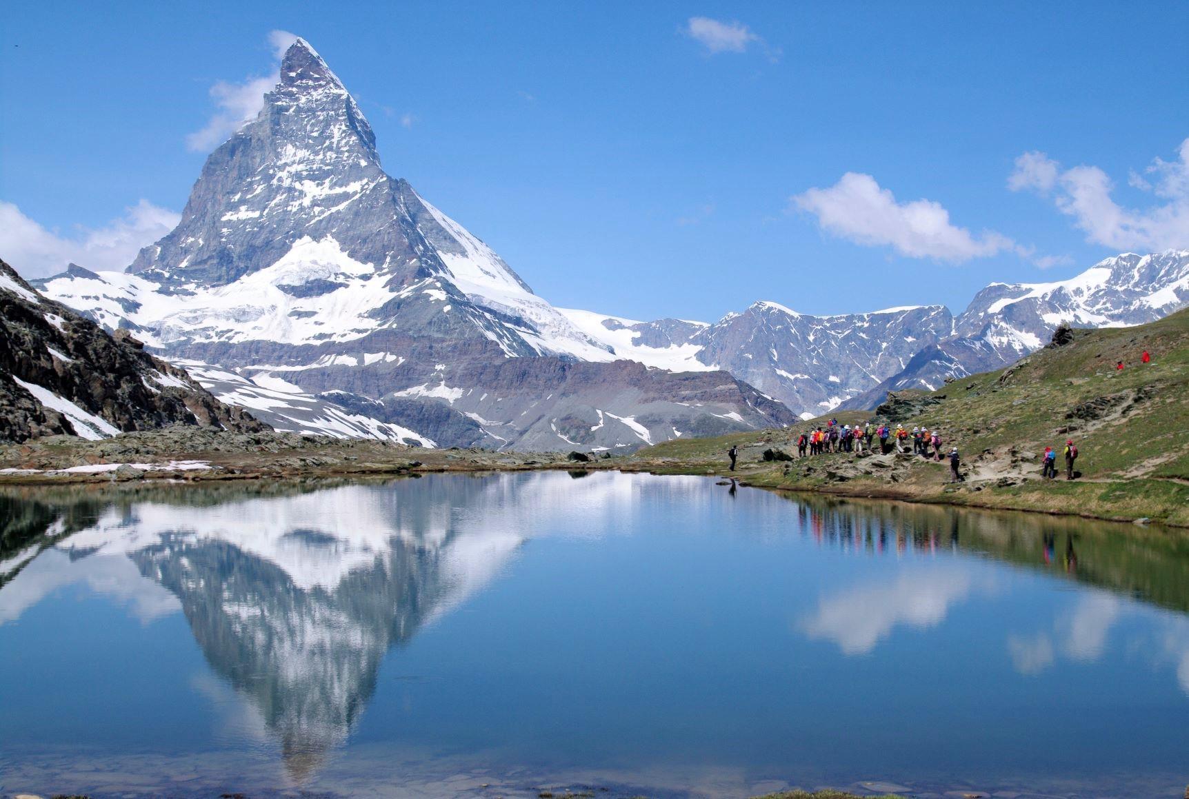 山上のリッフェル湖からマッターホルンを望む(7日目)