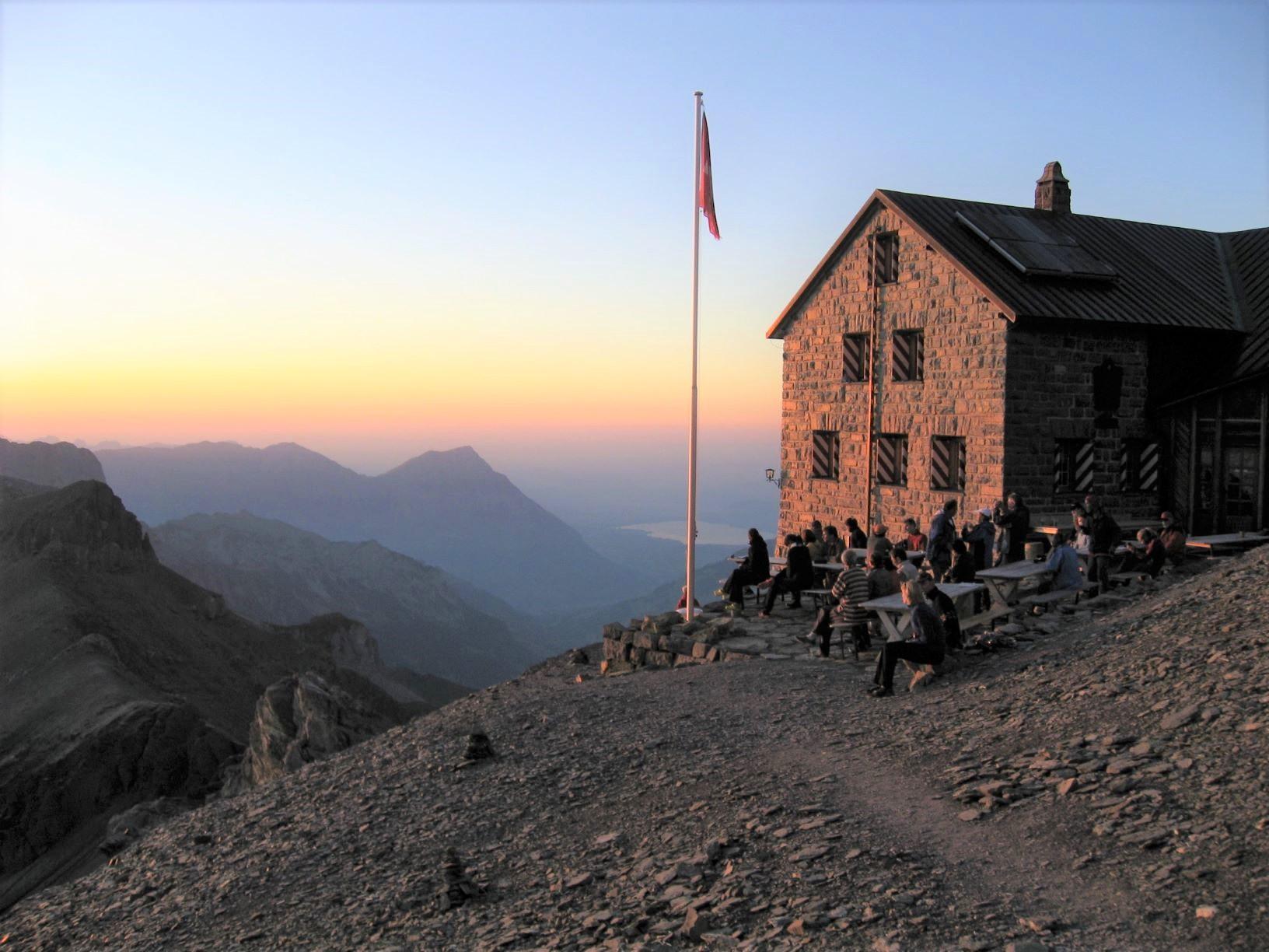 ブリュームリスアルプ小屋から夕景を望む(6日目)