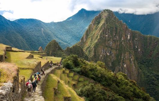 インカ・トレイルのハイライトを日帰りで歩き、徒歩でマチュピチュ遺跡へ(4日目)