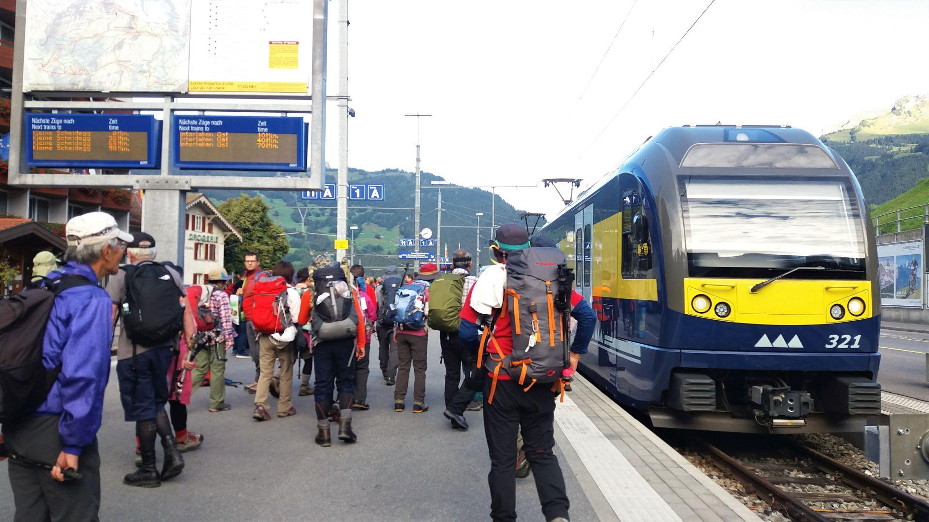 列車で移動もスイスでの旅の楽しみ