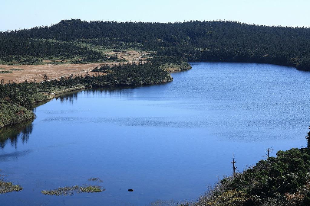 湖沼群を眺めながらのハイキング(八幡平)
