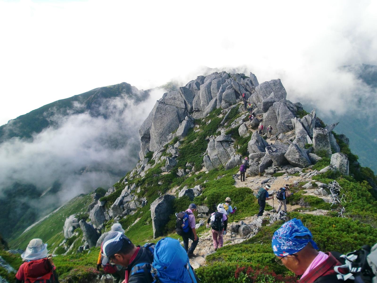 空木岳から木曽殿山荘への下り
